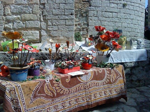 Marché aux fleurs à St Jean de Cuculles le 1er Mai 2014