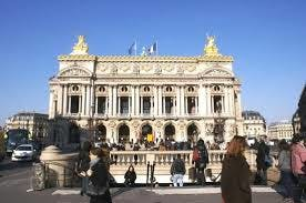 Exposition à la station «Opéra», à Paris